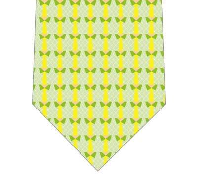 よく見たらワイシャツネクタイ(緑)の写真