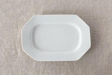 白磁八角長皿・白磁鍔型皿(九谷青窯)