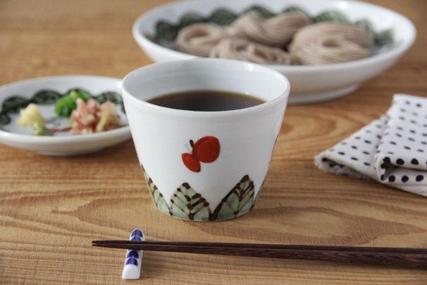 色絵葉っぱに蝶 蕎麦猪口 (九谷青窯・米満麻子)