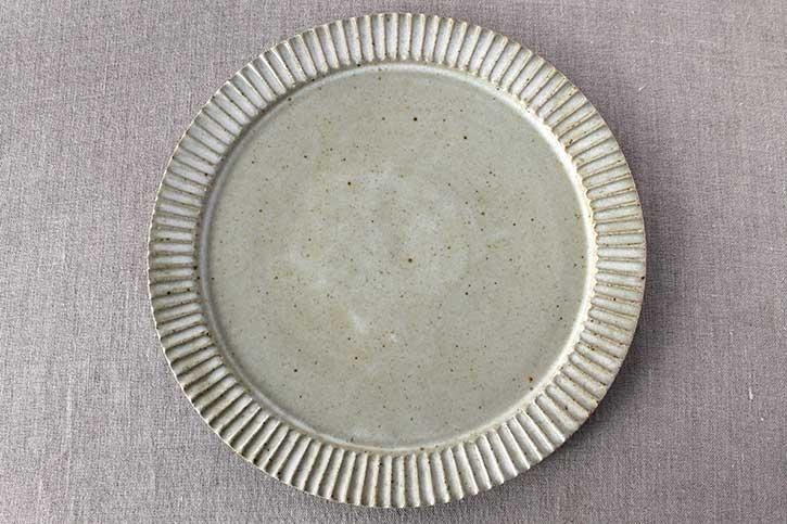 しのぎ平皿 (宋艸窯)