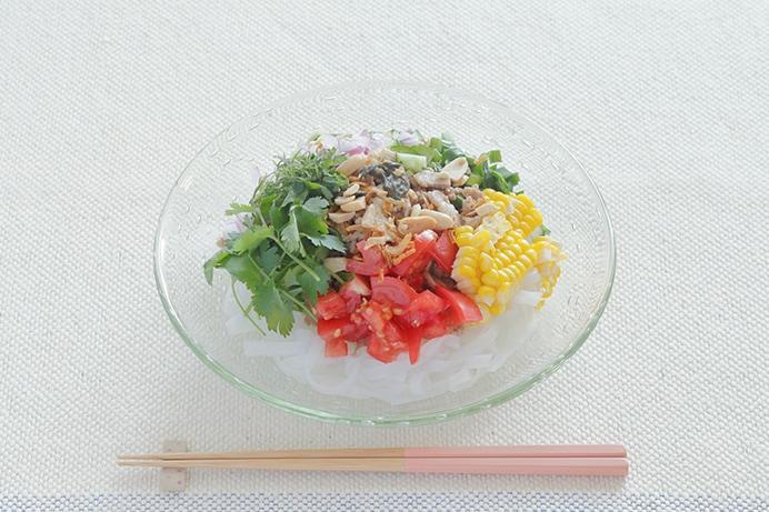 バジル醤油そぼろの和え麺