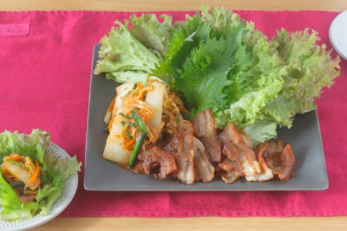 豚バラ肉と白菜キムチのレタス巻き