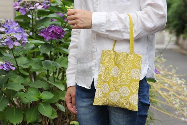 点と線模様製作所の小さな刺繍バッグ (倉敷意匠×点と線模様製作所)