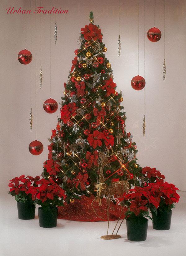深い赤が基調。大人のクリスマス