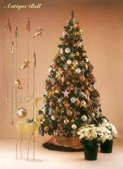 大人っぽいアーバンカラーやゴールドを基調としたツリーです。