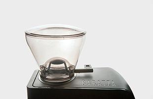 コンパクトでありながらホッパーの容量は300gとしっかりと豆を入れることが出来ます
