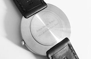 内田繁 腕時計 PIERRE JUNODベルトの長さ比較 左側 女性用、右側 男性用