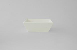 特別な日にお重としてお使い頂くのは勿論、日常使いの小鉢としてご使用頂いても素敵な商品です