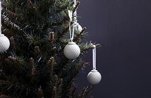 小振りなツリーが主流の日本でも飾り付けやすい大きさです、是非デコレーションのアクセントとして飾ってみてください