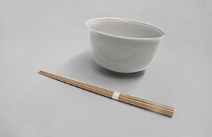 年越しそばやお雑煮、七草粥を頂くとき、節句のお祝いといった場にふさわしいお箸です
