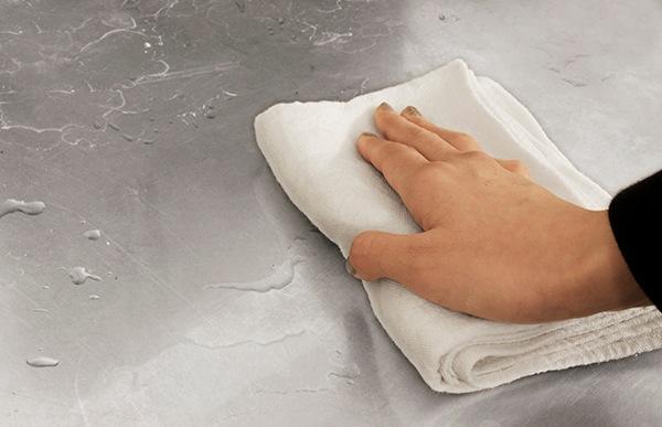 厚手のクロスですが水を吸っても乾きが早いので、衛生的にご使用頂けます