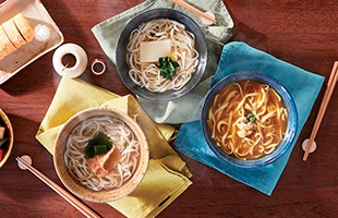 つるりと美味い本格手延べ麺を使用したうどんは非常時の備えとしては勿論、普段の何気ない「IZA」という場面にも