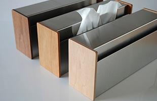 ヤマサキデザインワークス トイレットペーパートレイはウォルナット・チェリー・メイプルの三種類のご用意が御座います