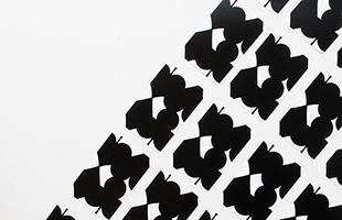 IGA PLAING CARDS 五十嵐威暢 トランプカード ブラックはカードの背面の図柄が黒の商品になります