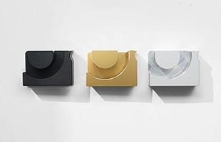 シルバー・ゴールド・ブラックいずれもアルマイト処理でカラーリングを行っているため耐腐食性や耐摩耗性に優れます