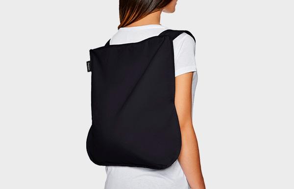 ドイツ発のブランド「notabag」は名前の通り、手提げ/トートバッグとしてだけでなくリュックとしてもご使用可能なエコバッグです