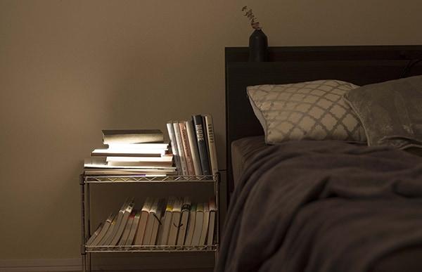 NIGHT BOOKはおやすみ前の一冊を選ぶときの特別な時間を優しく照らしてくれます