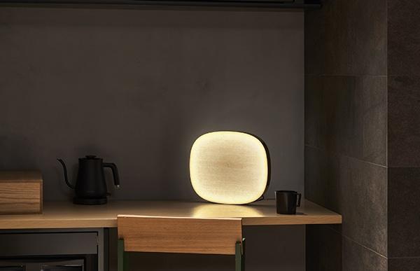 小川和紙の素朴で温かみを感じさせるテクスチャーを主役にした照明です