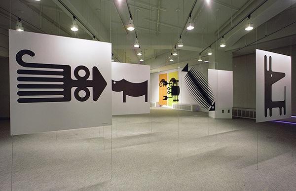 五十嵐威暢が学生時代から描いていた動物のイラストレーションは、1973年、東京のギャラリーフジエでの初個展「動物イラスト展」で発表されました