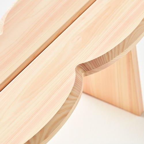 more trees設立10周年/記念プロダクト /stool/ダブルの天板はシンプルを2つ合わせた形状です。