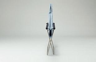 NYチェア X shikiriは手軽に折りたたみが可能、折りたたんだ状態で自立するので収納にも便利です