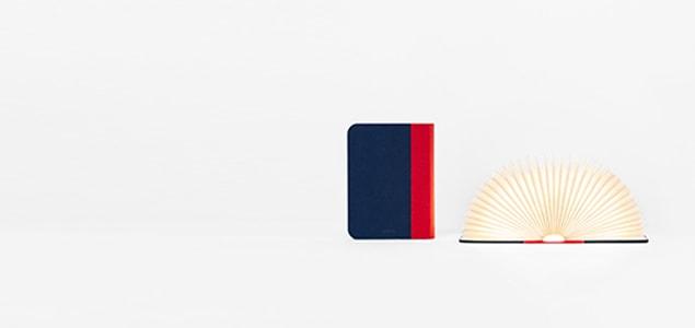 木の素材が表紙のLumiosf/ブックランプ の新商品、 カラフルで耐久性に優れたファブリック表紙のブック型のランプです。