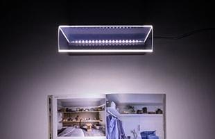 均一な光は左右前後どの角度でも同じ明るさで使用することが可能で、置き場所を選びません