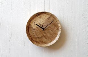 RetRe リツリ/虫喰い木材の壁掛け時計 丸