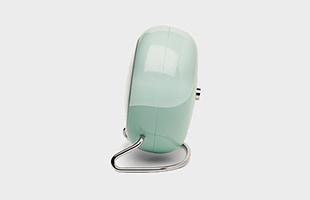 アルネ ヤコブセン 置時計 LK アイスブルー×シルバー 側面イメージ