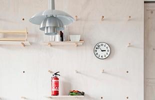 公共時計としてデザインされているだけに、少し離れた場所からでも見やすいシンプルなデザインです