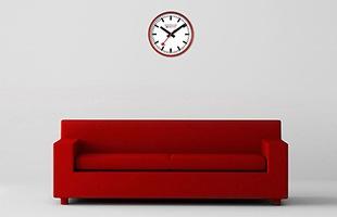 モンディーンのアイコンである赤い秒針がアクセントとなり、お部屋全体のイメージを引き締めます