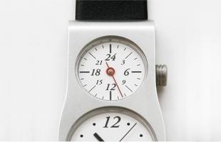 五十嵐威暢/デュアルタイム 腕時計 12+24 [デュアルタイム 腕時計は12+24]