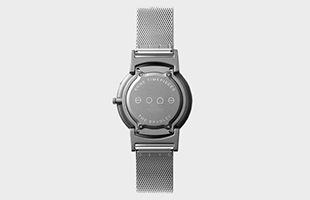さわる時計 Bradleyは、多くの人に楽しんでもらえるように使い勝手だけではなく、見た目にもこだわり、とてもスタイリッシュなデザインとなっています