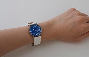 札幌駅南口外壁の世界最大の星の大時計を普段からお楽しみいただけるよう、腕時計として開発しました