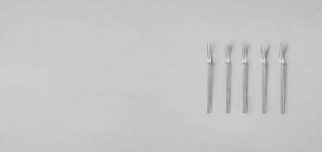 上品な質感の真鍮銀メッキの小振りな姫フォーク 東屋/猿山修