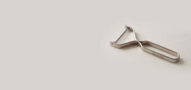 ヨシタ手工業デザイン室/吉田守孝/ラウンドバーシリーズ/ステンレス ピーラー[ステンレス ピーラーはヨシタ手工業]