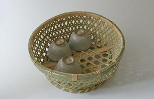 国産 真竹 椀かご 丸型 湯呑も並べて置けます