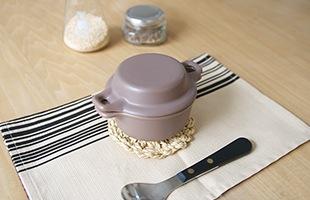 """そのまま食卓に出せる""""器""""としても機能するので、調理後、温かい状態で食卓に並べることが出来ます"""
