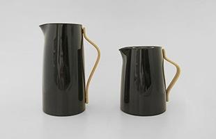 左:バキュームジャグ coffeeと右:バキュームジャグ teaの比較イメージ