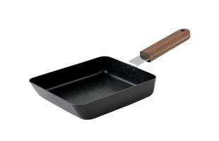ambai/小泉誠デザインの玉子焼用鉄フライパン