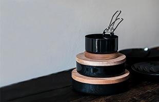 シンプルでありながら利便性の高いデザインは日々の食卓で調理器具としてもお皿としても活躍してくれます