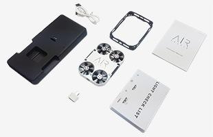 AirSelfie / 専用PowerBank(12600mAh) / 機体ガード / USBケーブル / USB A to Micro USB 変換ケーブル / 取扱説明書 / 飛行前チェックリストが同梱されています