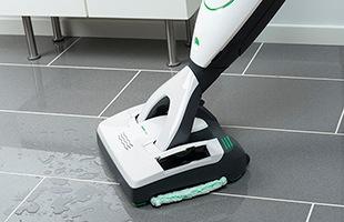 VK200と組み合わせて使うことによって、木製やラミネート、タイル、石製など、様々な床のホコリを吸引しながら、同時に拭き掃除を行えるハードフロアクリーナーです