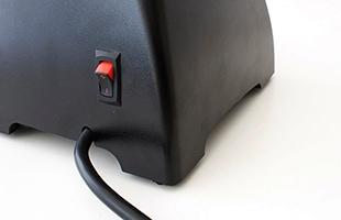 blendtec Classic 575は背面に電源スイッチがあります