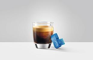 コーヒーマシンのワイヤレス操作に必要なものは、専用アプリ「JURA Operating Experience「J.O.E.(r)」」とSmart Connect(スマートコネクト)だけです