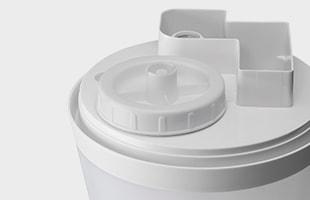 タンクの口は洗いやすい大口径給水口となっており、タンク内を清潔に保つことが出来ます