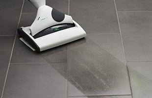 SP530を装着することで、ホコリを吸引しながら同時に拭き掃除ができます