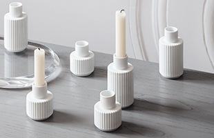 細長の縦溝彫り模様はLyngby Porcelainの最も象徴的なデザインの一つです
