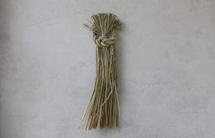 東北で作られるシンプルでモダンな稲わら細工のしめ飾り・お正月飾り