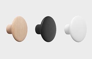 全16カラー : 左からオーク、ブラック、ホワイト